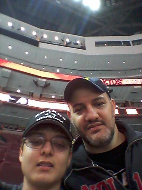 selfie with Ryan at Sharks-Flyers